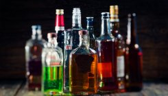 K'taka allows bars, restaurants to clear liquor stock