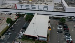 Tesla, California appear to end standoff over factory