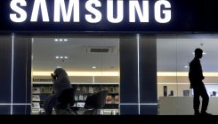 Samsung partners with Facebook to help retailers
