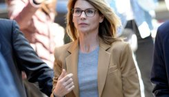 Lori Loughlin, husband to plead guilty to college scam