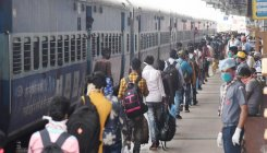 Hungry 'shramiks' on board special trains turn violent