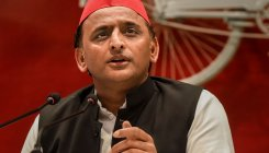 Akhilesh slams UP govt for transferring IPS officers