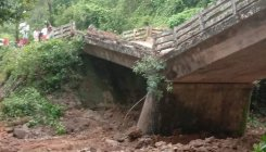 Bridge connecting Alamba-Kukkuje Cross collapses