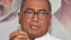 Jogi's death big loss for politics: Digvijaya Singh