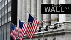 Wall Street stocks mixed amid US-China tensions