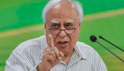 Sibal slams Solicitor General's remarks on HC