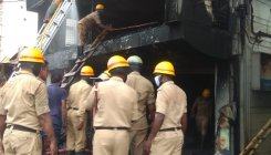 Chikkamagaluru: Fire breaks out at Malnad Tyres outlet