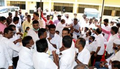 Party workers create ruckus at Congress meet