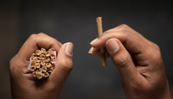 'Announce financial assistance for beedi workers'