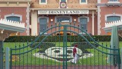 Covid-19: Disneyland in California delays reopening
