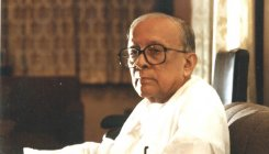 Has Jyoti Basu become CPM's last resort in Bengal?