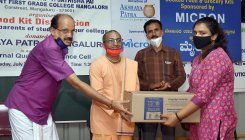 Food kits distributed to college students