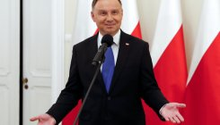 Populist president tops Polish election