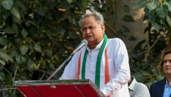 Gehlot claims majority, Cong appeals to Pilot to return