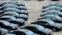 Mercedes, Audi expect sales momentum to pick up