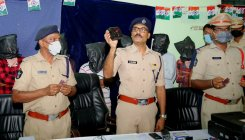 Guntur cops bust gang altering age in Aadhaar of people