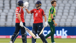 England beat Pakistan by five wickets in 2nd T20