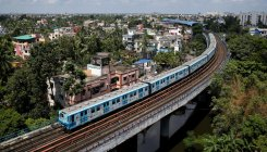 WB govt, Metro officials meet over resuming service
