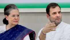 Sonia leaves for medical check up abroad with Rahul