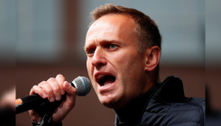 Recovering from Novichok, Navalny now able to leave bed