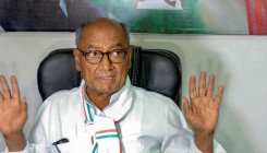 I am not in CM race; I never sulked: Digvijay